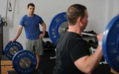 Hogyan határozzuk meg, hogy egy sportolónak kellene-e olimpiai emeléseket végeznie? (Eric Cressey)