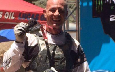 Ember és gép: Mike Hibner motocross versenyző (Nathan Huffstutter)
